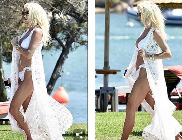 Kendall Jenner diện bikini gợi cảm - 4