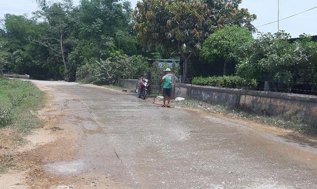 Quảng Bình: Dân khốn khổ vì con đường huyết mạch xuống cấp nghiêm trọng - 5