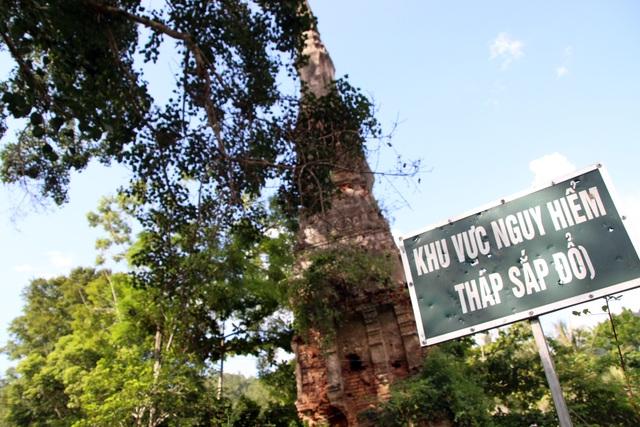 Một tháp cổ ở Nghệ An trước nguy cơ đổ sập, trở thành phế tích - 4