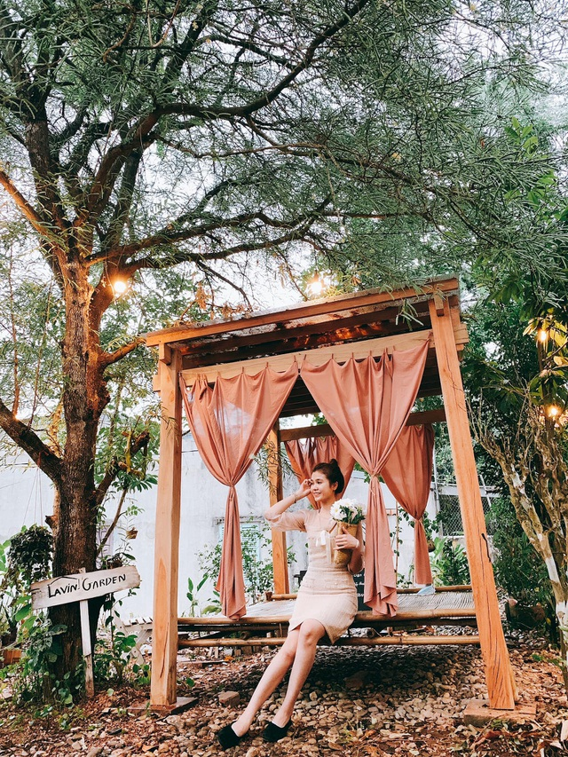 Cuộc sống bình yên trong căn nhà hoa giấy đậm chất thơ ở Huế - 4