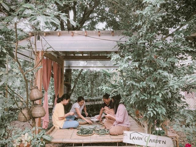 Cuộc sống bình yên trong căn nhà hoa giấy đậm chất thơ ở Huế - 6