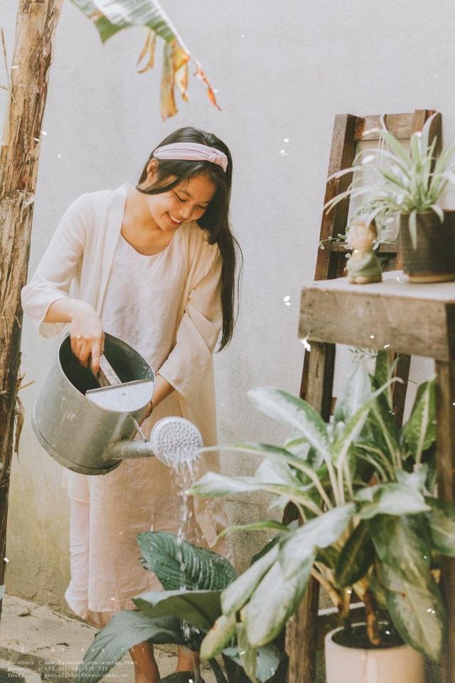 Cuộc sống bình yên trong căn nhà hoa giấy đậm chất thơ ở Huế - 10