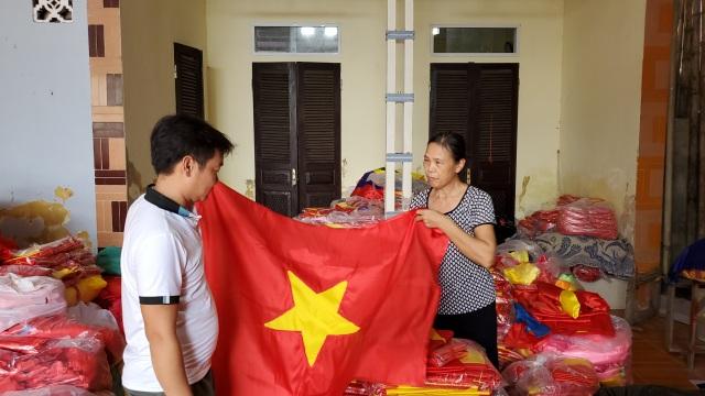 Làng nghề may cờ Tổ quốc nhộn nhịp trước ngày Quốc khánh - 1