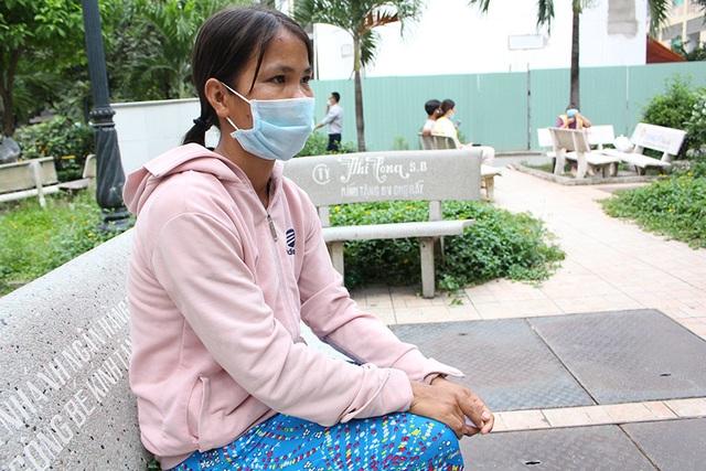 Gia cảnh khốn khó của người ôm rắn hổ mang chúa vào bệnh viện cấp cứu - 1