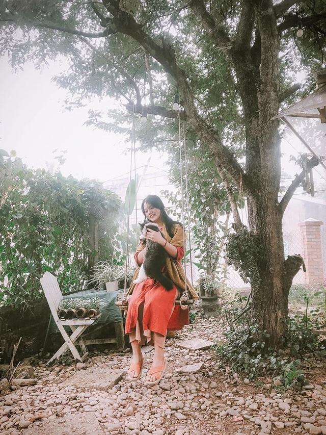 Cuộc sống bình yên trong căn nhà hoa giấy đậm chất thơ ở Huế - 12