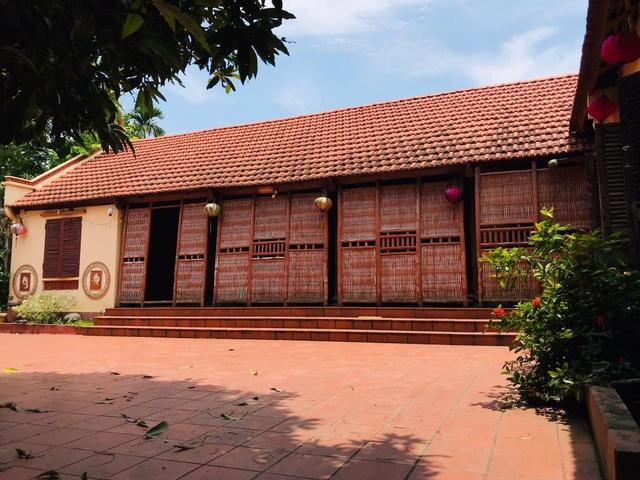 Nhà gỗ trăm tuổi giữa sân vườn xanh mát đẹp hiếm có ở ngoại thành Hà Nội - 3