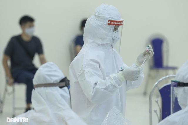Xem chuyên gia bắt virus SARS-CoV-2 như thế nào? - 6