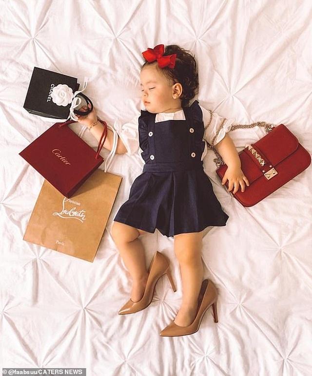 Tủ đồ hàng hiệu của bé 17 tháng tuổi khiến cộng đồng mạng sửng sốt - 8