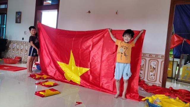 Làng nghề may cờ Tổ quốc nhộn nhịp trước ngày Quốc khánh - 2