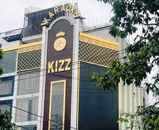 Quán karaoke bị phạt hơn 41 triệu đồng vì mở cửa giữa dịch - 3