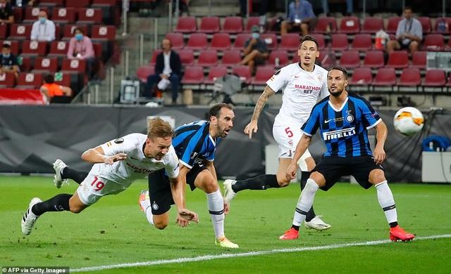 Những khoảnh khắc nghẹt thở trong chiến thắng của Sevilla trước Inter Milan - 5
