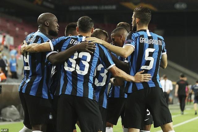Những khoảnh khắc nghẹt thở trong chiến thắng của Sevilla trước Inter Milan - 4