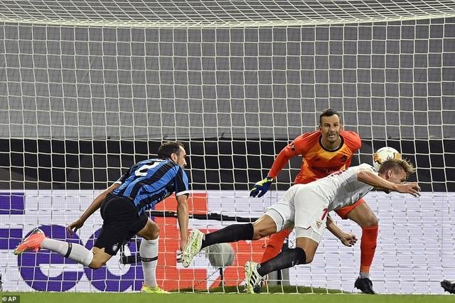 Những khoảnh khắc nghẹt thở trong chiến thắng của Sevilla trước Inter Milan - 6