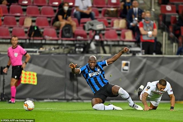 Những khoảnh khắc nghẹt thở trong chiến thắng của Sevilla trước Inter Milan - 18