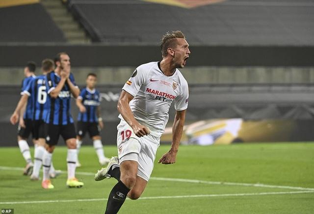 Những khoảnh khắc nghẹt thở trong chiến thắng của Sevilla trước Inter Milan - 9
