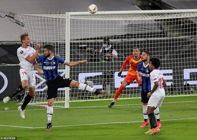 Những khoảnh khắc nghẹt thở trong chiến thắng của Sevilla trước Inter Milan - 8