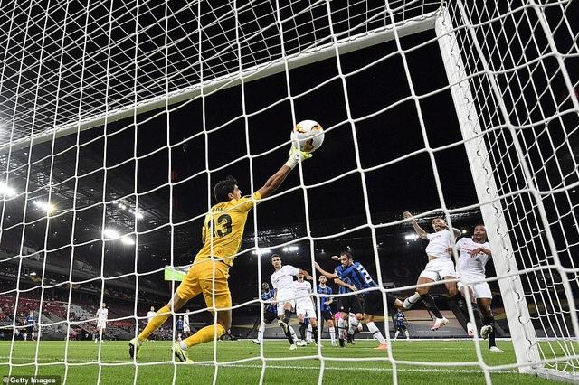 Những khoảnh khắc nghẹt thở trong chiến thắng của Sevilla trước Inter Milan - 15