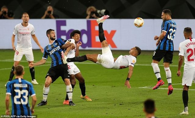 Những khoảnh khắc nghẹt thở trong chiến thắng của Sevilla trước Inter Milan - 16