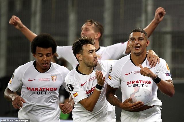 Những khoảnh khắc nghẹt thở trong chiến thắng của Sevilla trước Inter Milan - 19