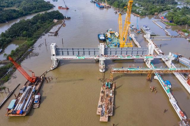 Chủ tịch TPHCM bị truy về vấn nạn ngập nước, dự án treo - 5