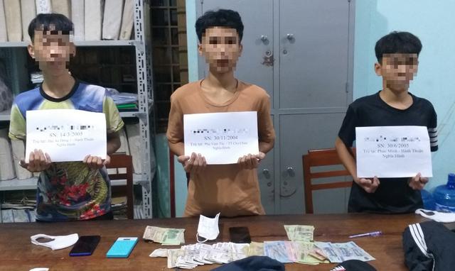 3 học sinh cướp tiền của người phụ nữ ghi số đề - 1