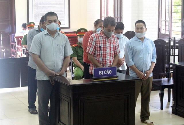 Lãnh án tù vì liều lĩnh xông vào trụ sở xã gây rối kỳ họp HĐND - 1