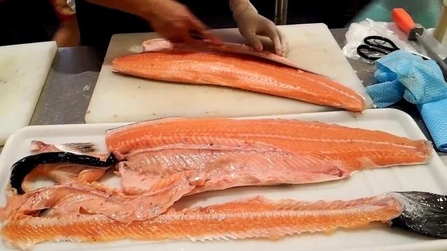 Chỉ 10.000 đồng/kg, chế đủ món với hải sản nhà giàu - 1