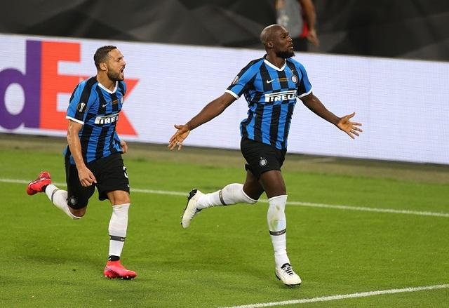 Lukaku hóa tội đồ ở chung kết Europa League: Sự nghiệt ngã của số phận - 1