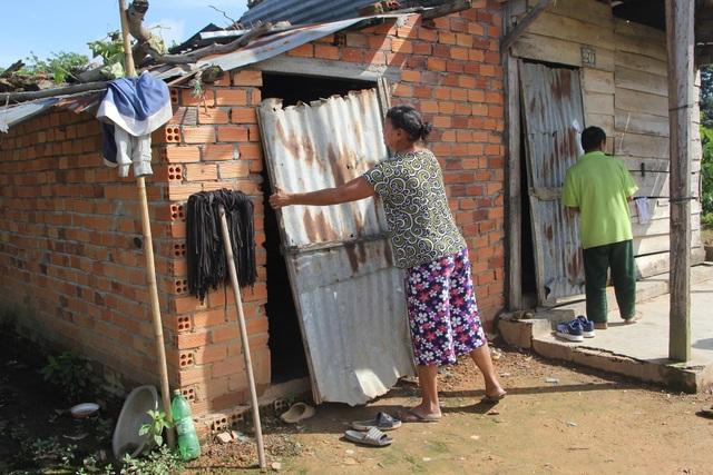 Thương gia đình 3 đứa con bỏ học vì quá nghèo, ngủ trong nhà chỉ sợ nhà sập - 6