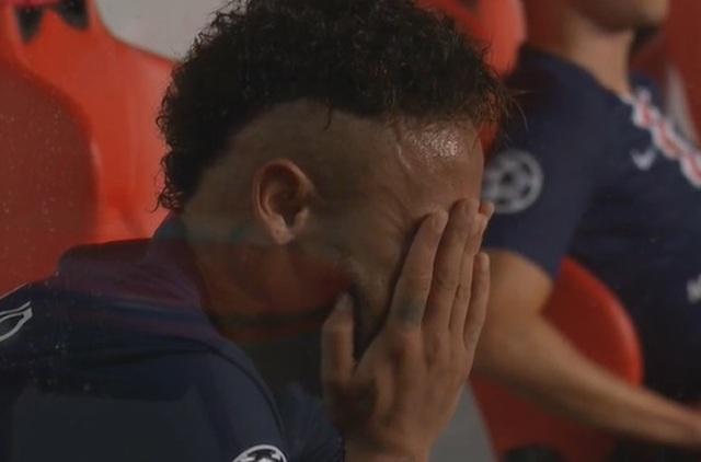 Neymar khóc khi chứng kiến PSG gục ngã trước Bayern Munich - 11