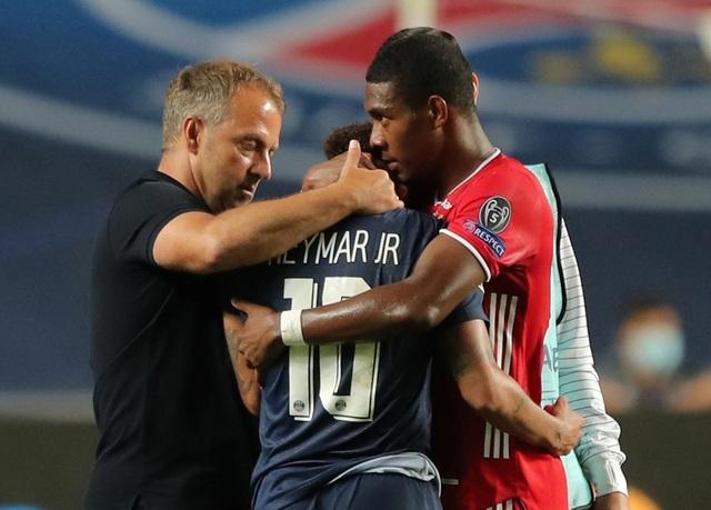 Neymar khóc khi chứng kiến PSG gục ngã trước Bayern Munich - 2