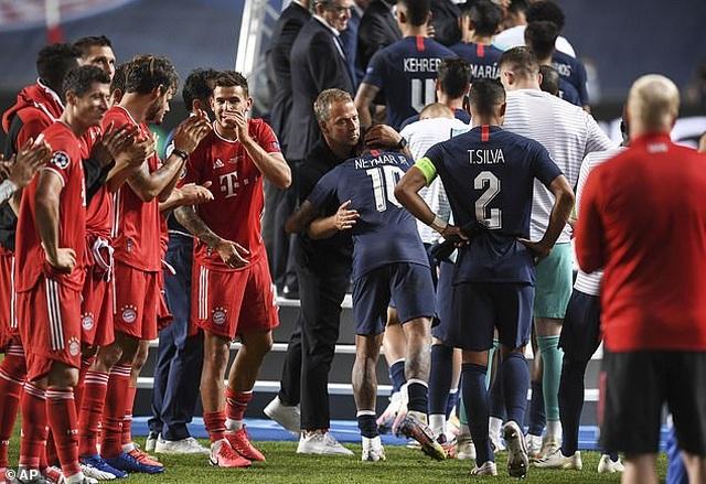 Neymar khóc khi chứng kiến PSG gục ngã trước Bayern Munich - 10