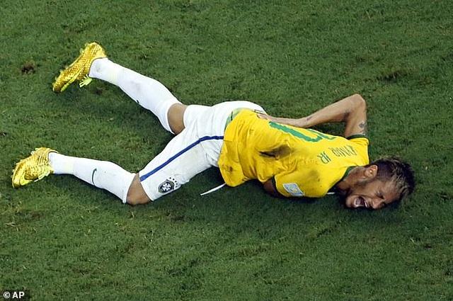 Neymar khóc khi chứng kiến PSG gục ngã trước Bayern Munich - 12