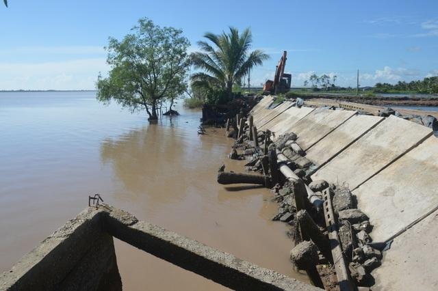 Người dân hoang mang tố thủ phạm gây sạt lở nghiêm trọng hai bờ sông Hậu - 9