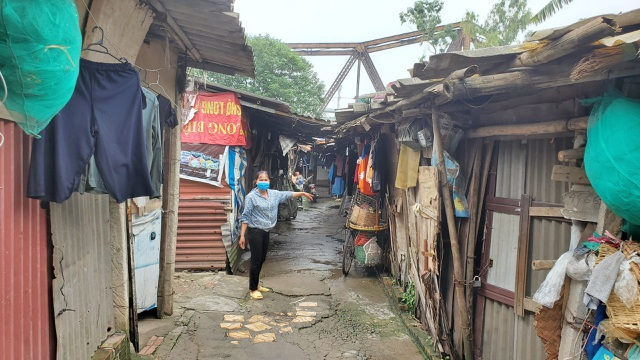 """Người lao động nghèo lao đao giữa """"cơn bão"""" dịch Covid-19 - 1"""