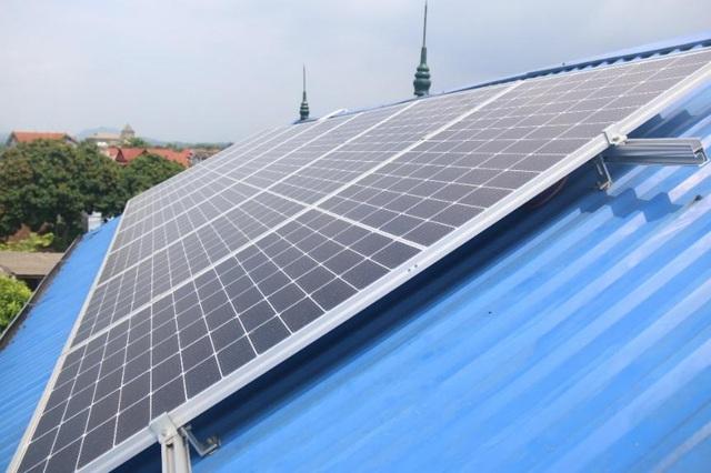 EVNNPC tạo điều kiện tối đa cho khách hàng đầu tư điện mặt trời mái nhà - 1