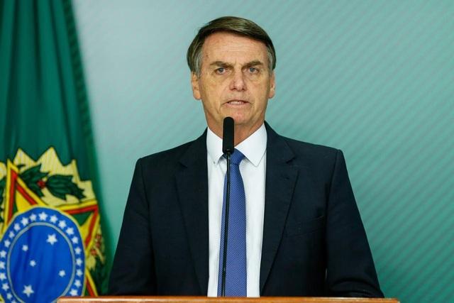 Tổng thống Brazil nổi đóa với phóng viên vì đặt câu hỏi về vợ - 1