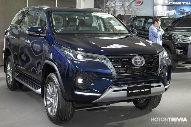 Toyota Fortuner 2020 sắp về Việt Nam, đại lý rục rịch nhận cọc - 1