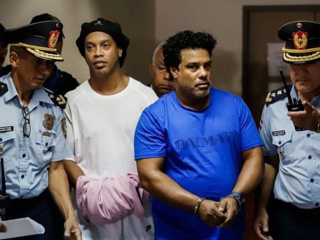 Ronaldinho được trả tự do sau 5 tháng ngồi tù ở Paraguay - 1