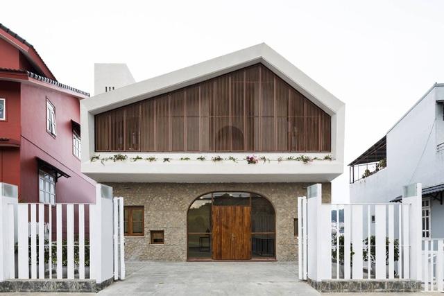 Biệt thự đẹp thơ mộng con trai xây tặng cha dưỡng già ở Đà Lạt - 2