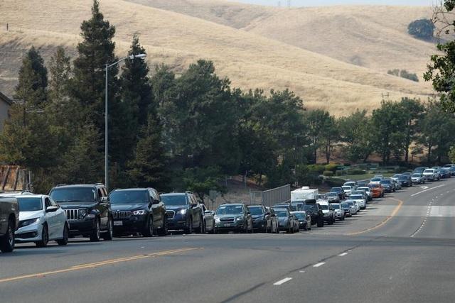 650 đám cháy rừng càn quét bang California, 7 người chết - 13