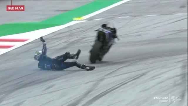 Xem tay đua MotoGP nhảy ra khỏi xe ở tốc độ hơn 200 km/h - 2