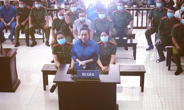 """An ninh thắt chặt trong ngày xét xử vợ chồng Đường """"Nhuệ"""" và đàn em - 3"""