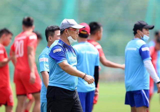 HLV Park Hang Seo chọn sơ đồ 3 hậu vệ cho U22 Việt Nam - 1