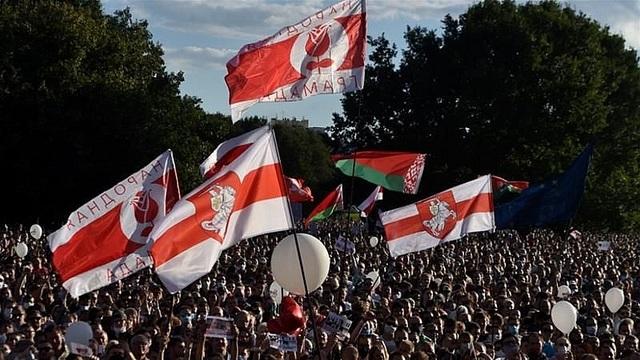 Câu chuyện Belarus: Trong xung, ngoài khắc - 1