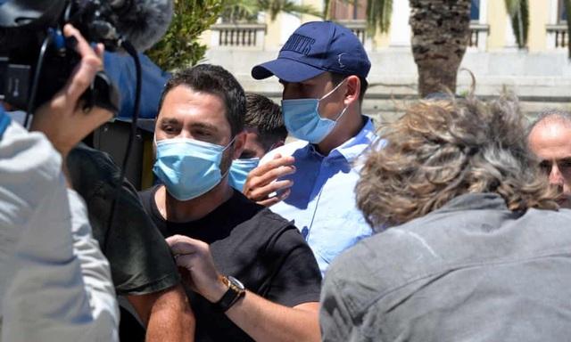 Hé lộ lời đội trưởng Man Utd nói với cảnh sát Hy Lạp - 2
