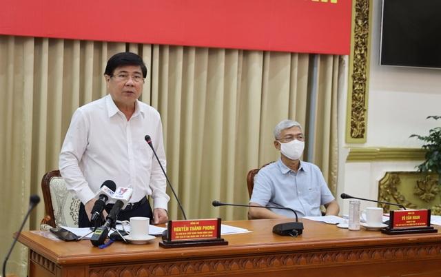 Chủ tịch TPHCM yêu cầu tiết giảm các khoản chi, quản chặt các khoản thu - 3