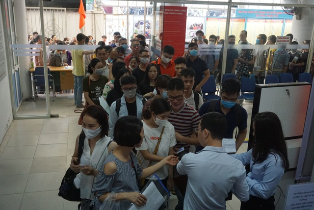 Nhiều lao động thất nghiệp ngại chuyển đổi nghề - 1