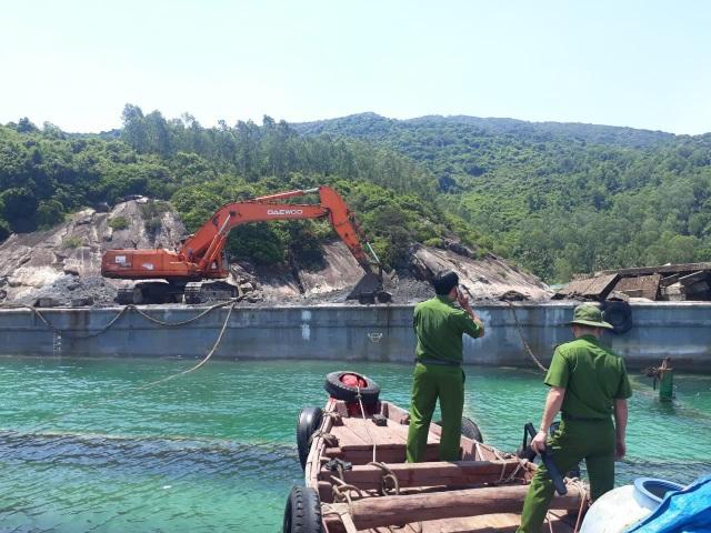 Đổ chất thải xuống biển khi trục vớt tàu chìm - 1