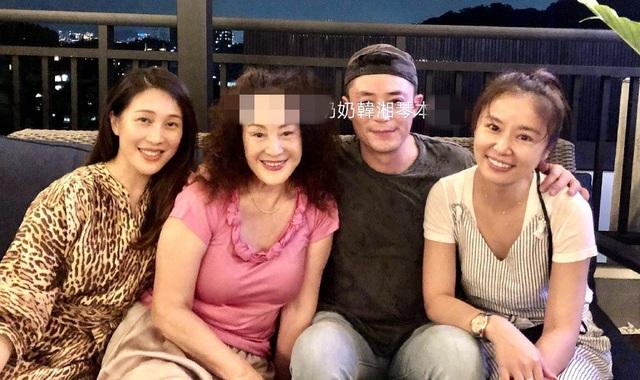 Lâm Tâm Như rạng ngời hạnh phúc bên ông xã Hoắc Kiến Hoa - 4